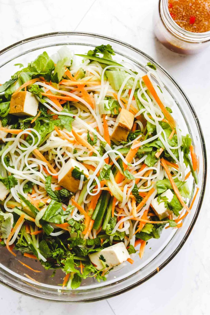 Vietnamese Vermicelli Noodle Salad with Tofu prep