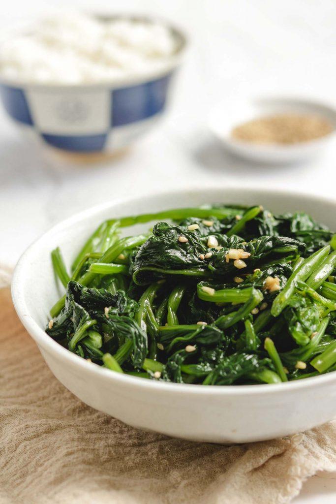 koran spinach salad close up side shot