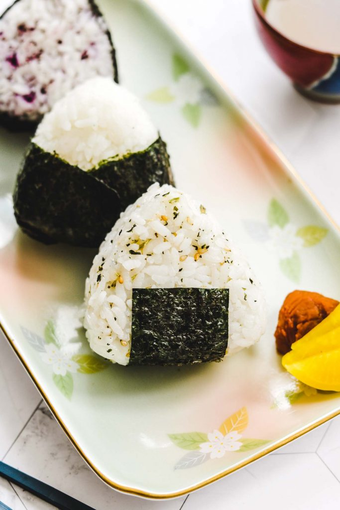 vegan onigiri on a rectangle plate