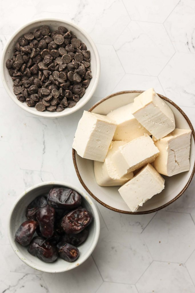 vegan chocolate mousse ingredients with tofu